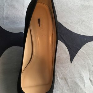7999617525 J. Crew Shoes | J Crew Dulci Suede Black Kitten Heels Size 75 | Poshmark